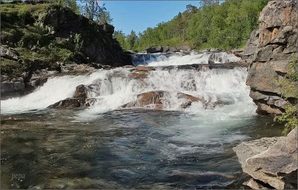 Národní park Ånderdalen. Fiskesti Foss