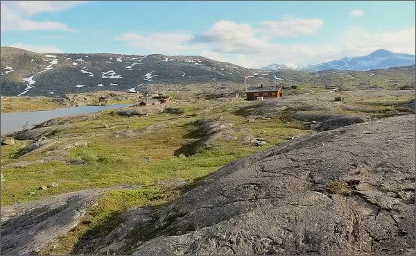 Náhorní planina poblíž norsko-švédské hranice, u silnice E10 (Narvik - Kiruna)