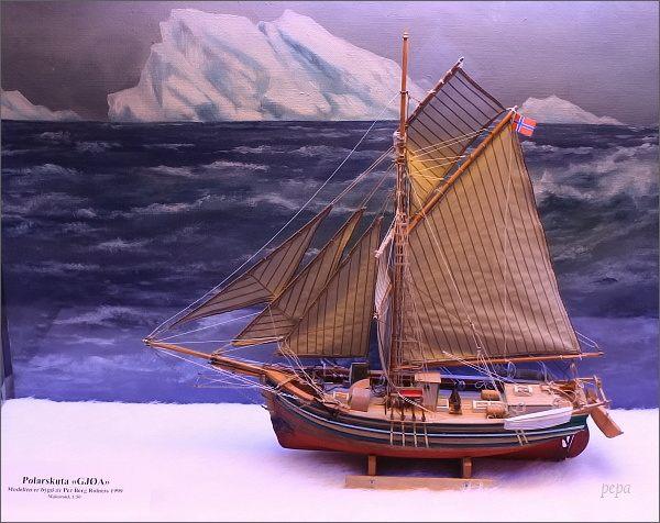 Tromsø, Polarmuseet. Model lodi Gjøa