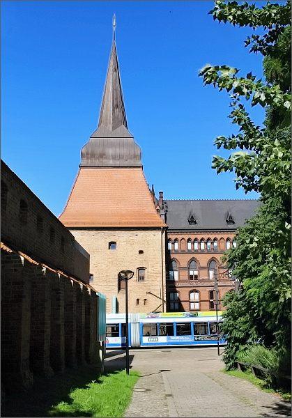 Rostock. Městské hradby a Stein Tor