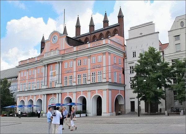 Rostock, Neuer Markt. Radnice
