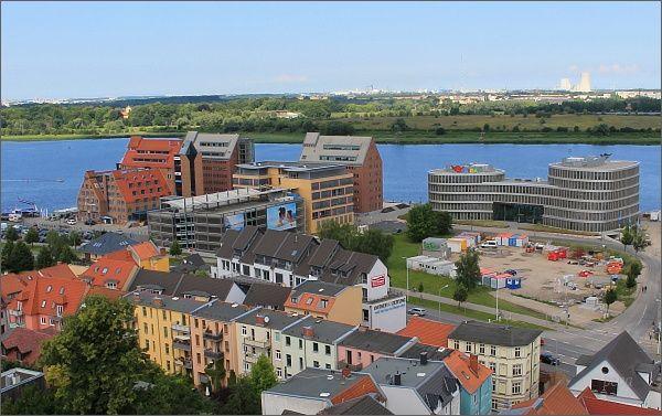 Rostock. Nábřeží z Petrikirche