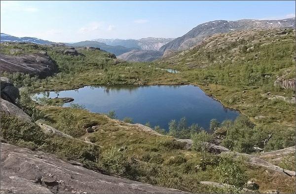 Národní park Rago. Cesta k jezeru Litleverivatnet nabízí nádherné rozhledy