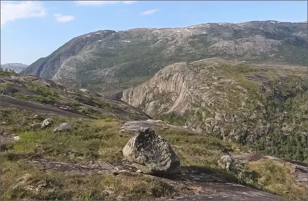 Národní park Rago. Scenérie pod jezerem Litleverivatnet