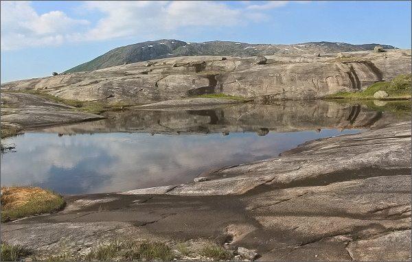 Národní park Rago. Krajinné scenérie pod jezerem Litleverivatnet