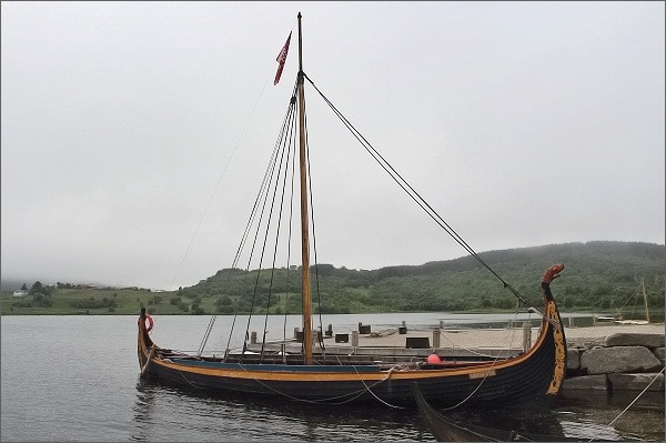 Borg, Lofotr. Repliky vikingských lodí