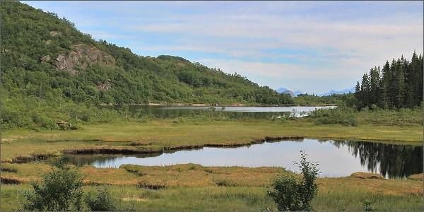 Krajina pod horou Tjellbergtinden