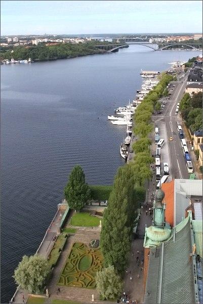 Stockholmská radnice. Pohled na kanál Riddafjärden