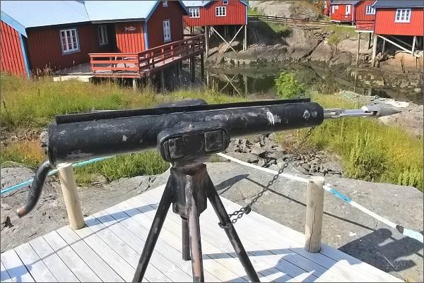 Å i Lofoten. Velrybářská harpuna v Norském rybářském muzeu