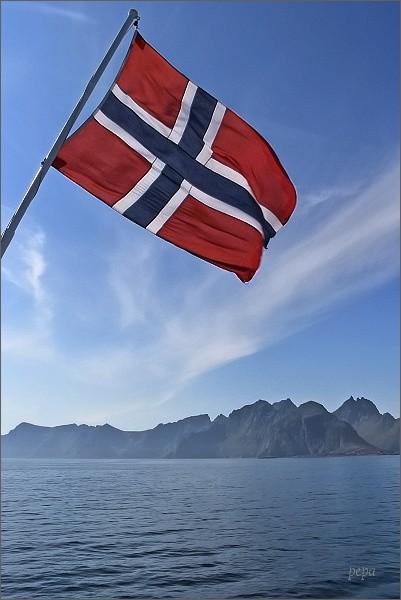 Lofoty se vzdalují (dva symboly Norska)