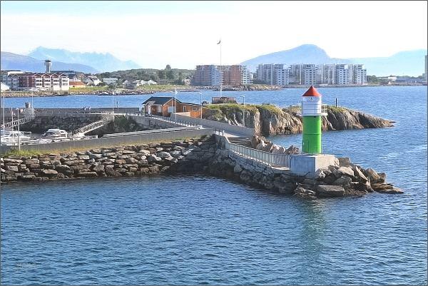 Vjezd do přístavu Bodø
