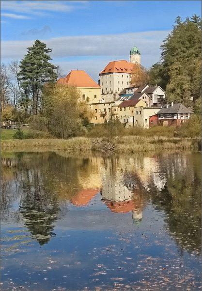 Libá, rybník Kladivo a zámek