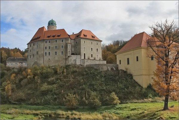 Libá, zámek