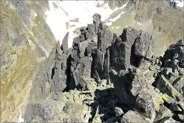 Rozervaný severozápadní hřeben Sokolej veže