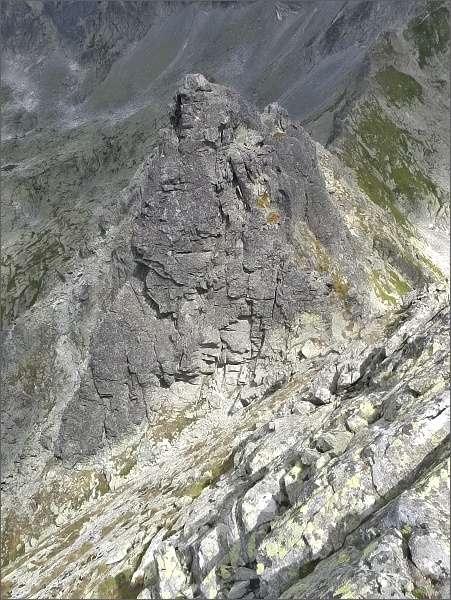 Veľká Furkotská veža, vpravo za ní Prostredná z vrcholu Ostrej