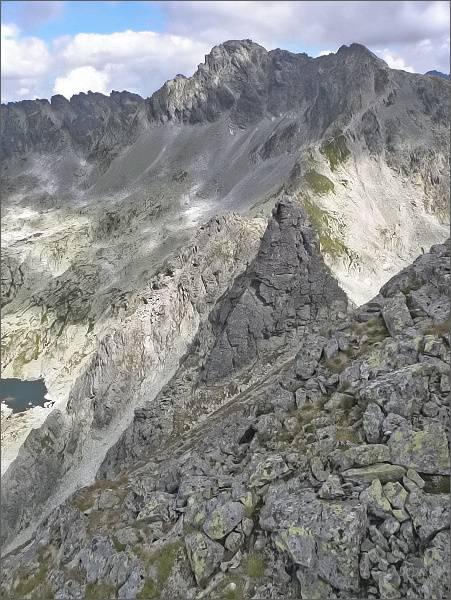 Veľká Furkotská veža, vlevo od ní Malá z vrcholu Ostrej