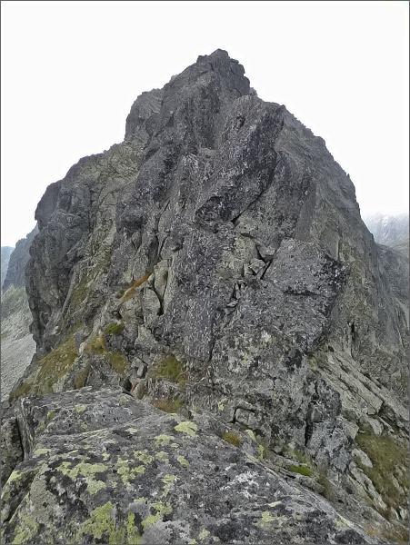 Veľká Furkotská veža od Prostrednej Furkotskej štrbiny