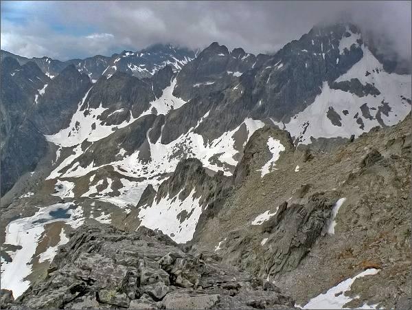 Kotlina Piatich Spišských plies a Prostredný hrebeň z Ovčiarskej veže