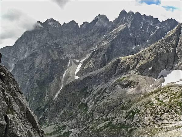 Rázsocha Lomnického štítu z Karbunkulového hrebeňa