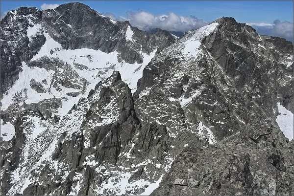 Ľadové štíty (vlevo), Baranie rohy (vpravo) a Spišský štít (nejblíže) z Veterného štítu