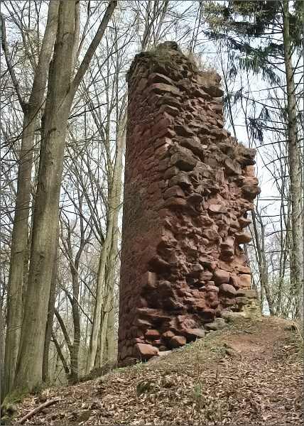 Trmačov, torzo hradní věže