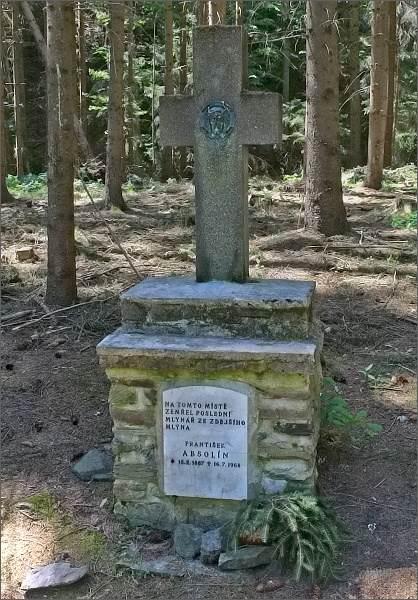 Pomník posledního mlynáře z mlýna Ve Žlebě, Františka Absolína