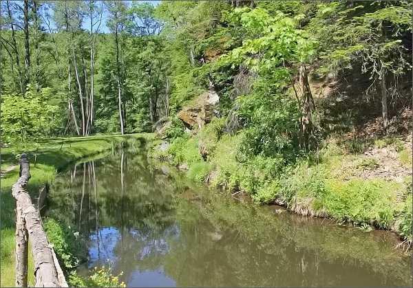 Romantická zákoutí Bílého potoka u Šmelcovny