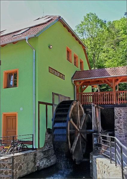 Vaverkův mlýn v areálu rekreačního střediska Hálův mlýn