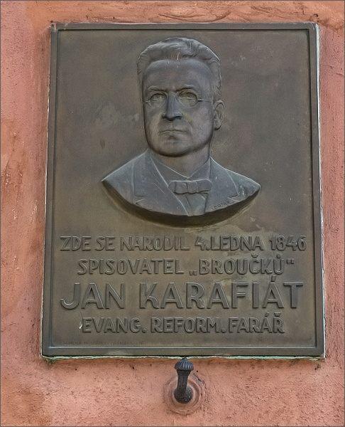 Pamětní tabule na rodném domu Jana Karafiáta