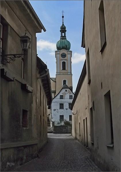Historické jádro Jimramova s kostelem Narození Panny Marie