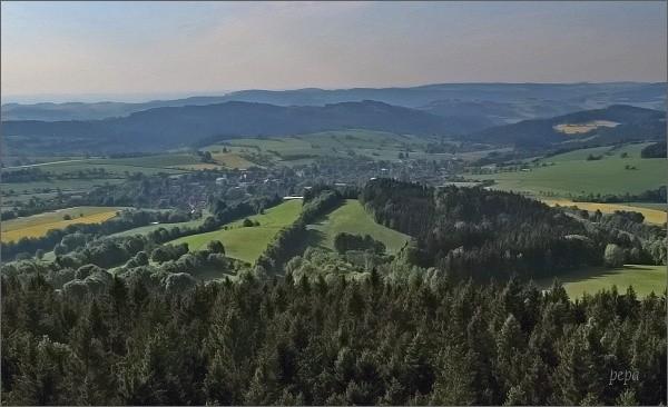Rozhledna Horní les. Pohled k Rovečnému