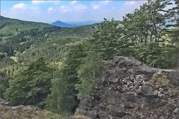 Růžovský vrch z Chřibského vrchu