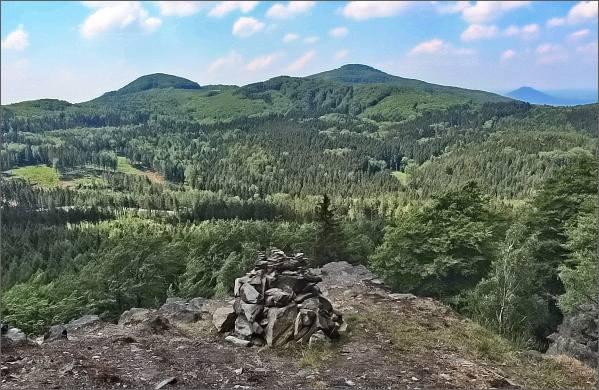Studenec a Javorek z Chřibského vrchu