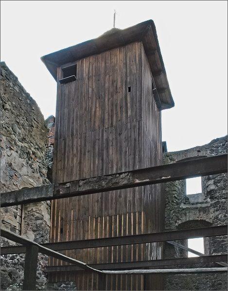 Dřevěná věž hradu Kamenice