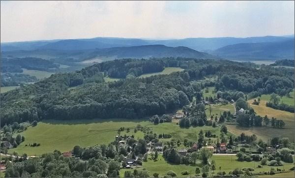 Zámecký vrch, pohled k Bukové hoře