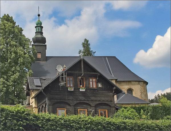Petrovice, kostel Nejsvětější trojice