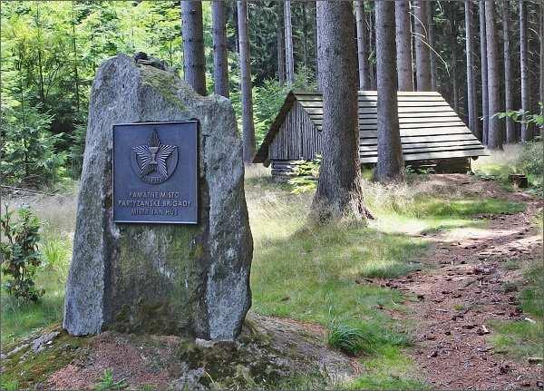 Fryšavský kopec. Pomník partyzánské brigády Mistra Jana Husa