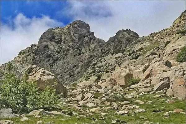 Výstup na Monte d´ Oro. Poprvé spatřujeme vrchol