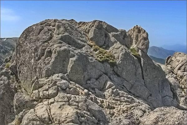 Žulové skalní město na Punta Dell´Oriente
