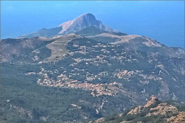 Corse du Sud Cappo Rosso, nejzápadnější výběžek Korsiky