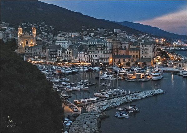 Bastia, starý přístav od citadely
