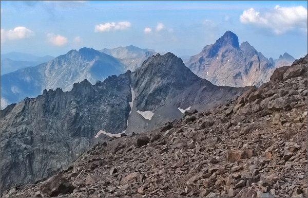 Paglia Orba z Monte Cinta. V popředí Capu Falu