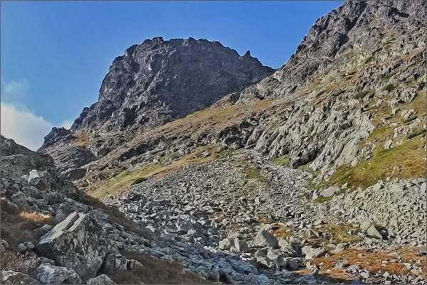 Jastrabie sedlo, nástup na Karbunkulový hrebeň