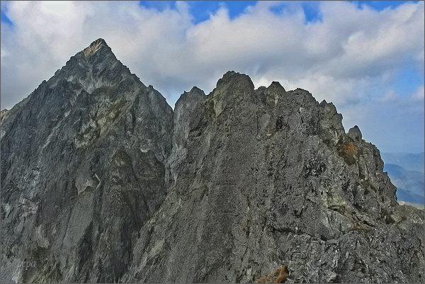 Karbunkulový hrebeň, Zmrzlá veža a Kolový štít