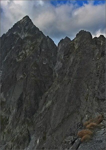 Belasá veža, Zmrzlá veža a Kolový štít z Karbunkulového hrebeňa