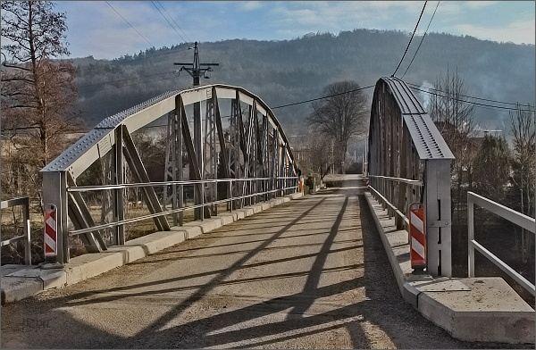 Borač, obloukový most přes Svratku
