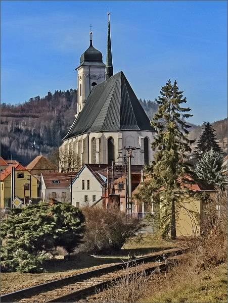 Doubravník, kostel Povýšení svatého Kříže