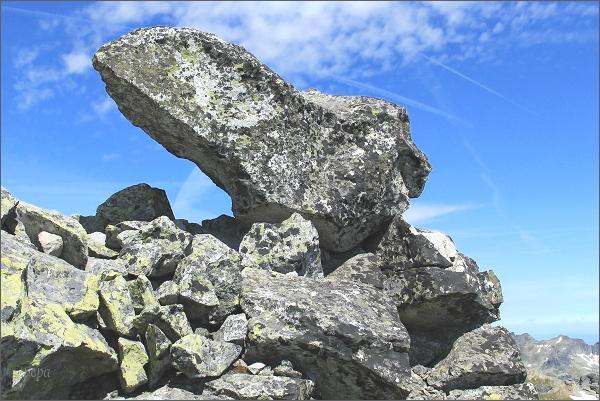 Skalní blok na vrcholu Veľkého Soliska