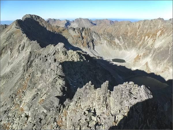 Bystré sedlo, Furkotský štít a Hrubý vrch z Veľkého Soliska. Vpravo Mlynická dolina