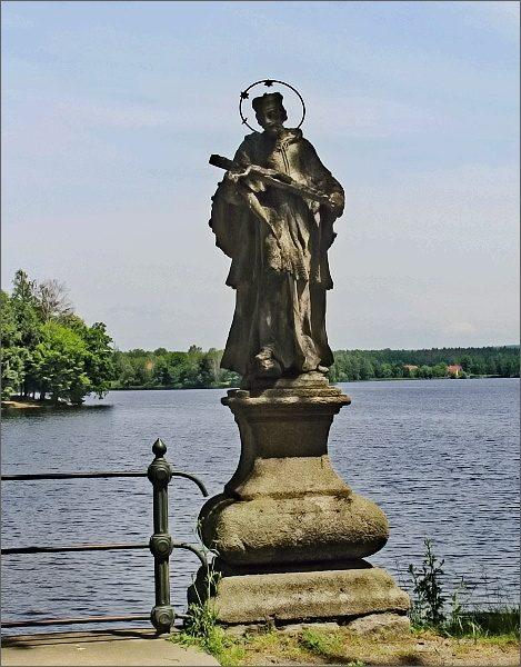 Svatý Jan Nepomucký na hrázi Hejtmana